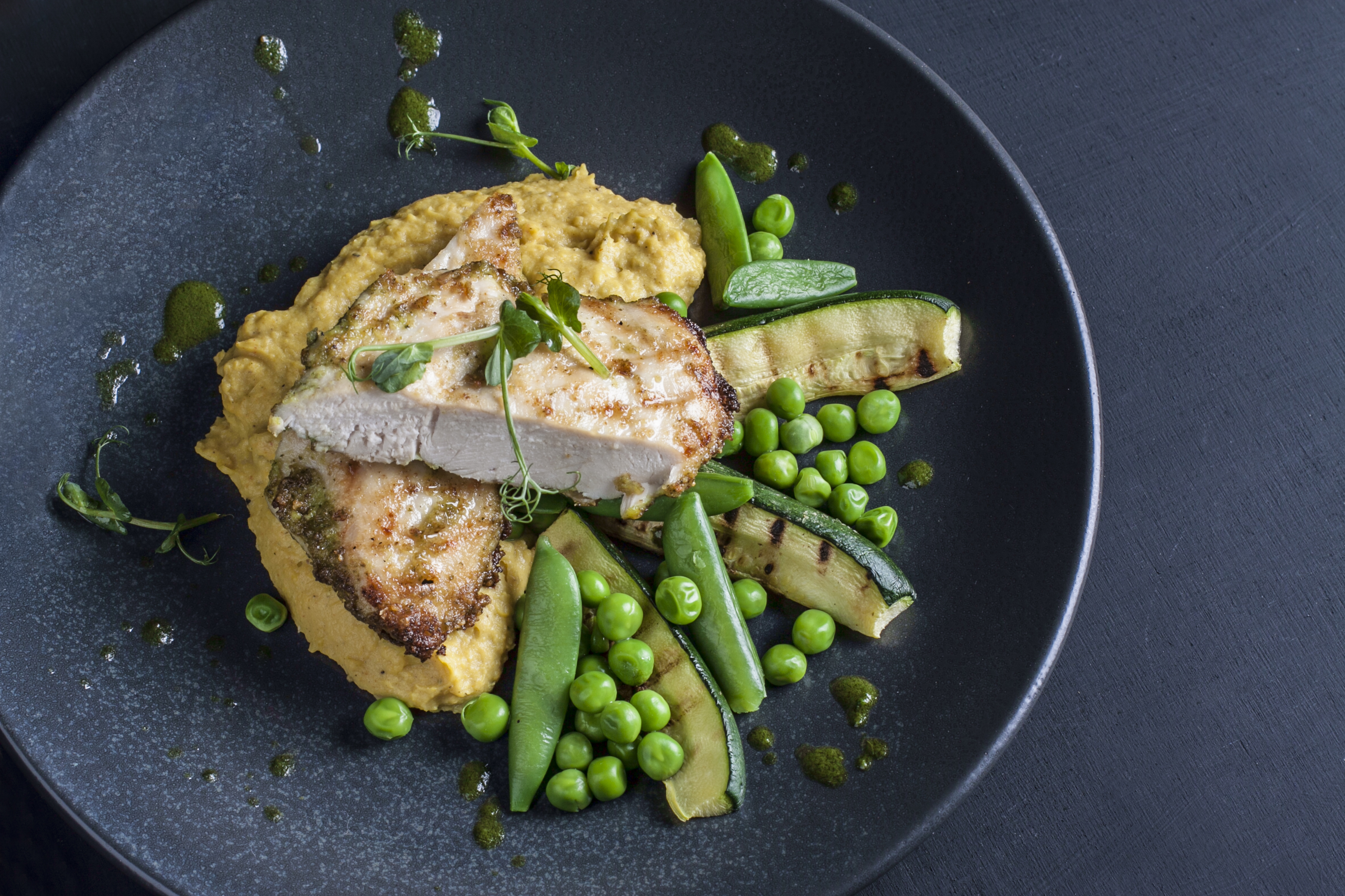 chicken with green vegetables